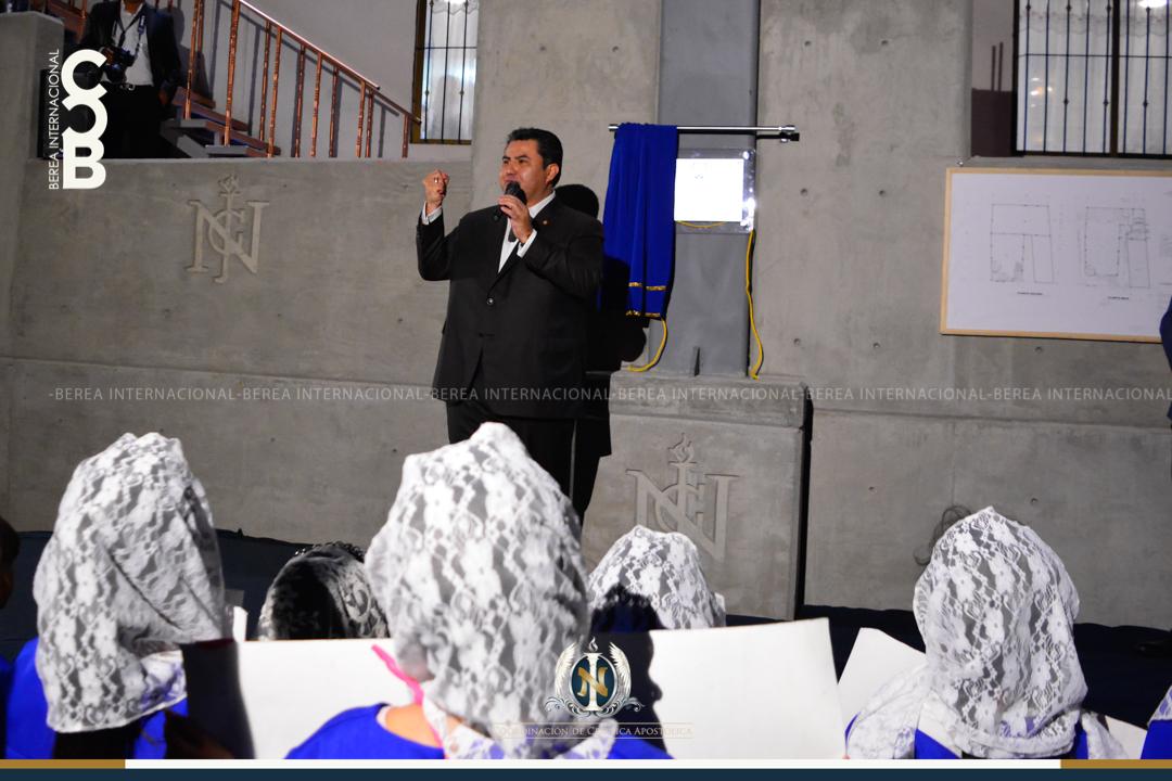 Apóstol Naasón Joaquín García visita la colonia Nazario Ortiz en Aguascalientes Mexico en la 11a Etapa de su Gira Universal 3