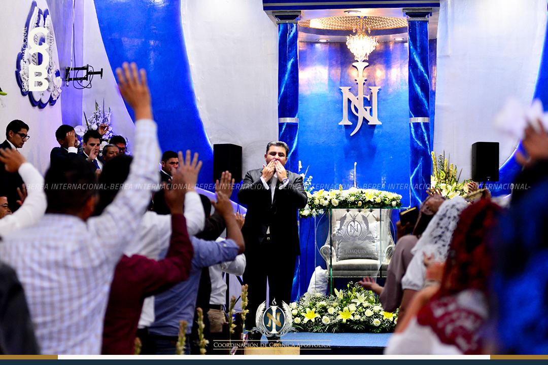 Apóstol Naasón Joaquín visita colonia Lomas de Guayangareo Michoacan Mexico 2