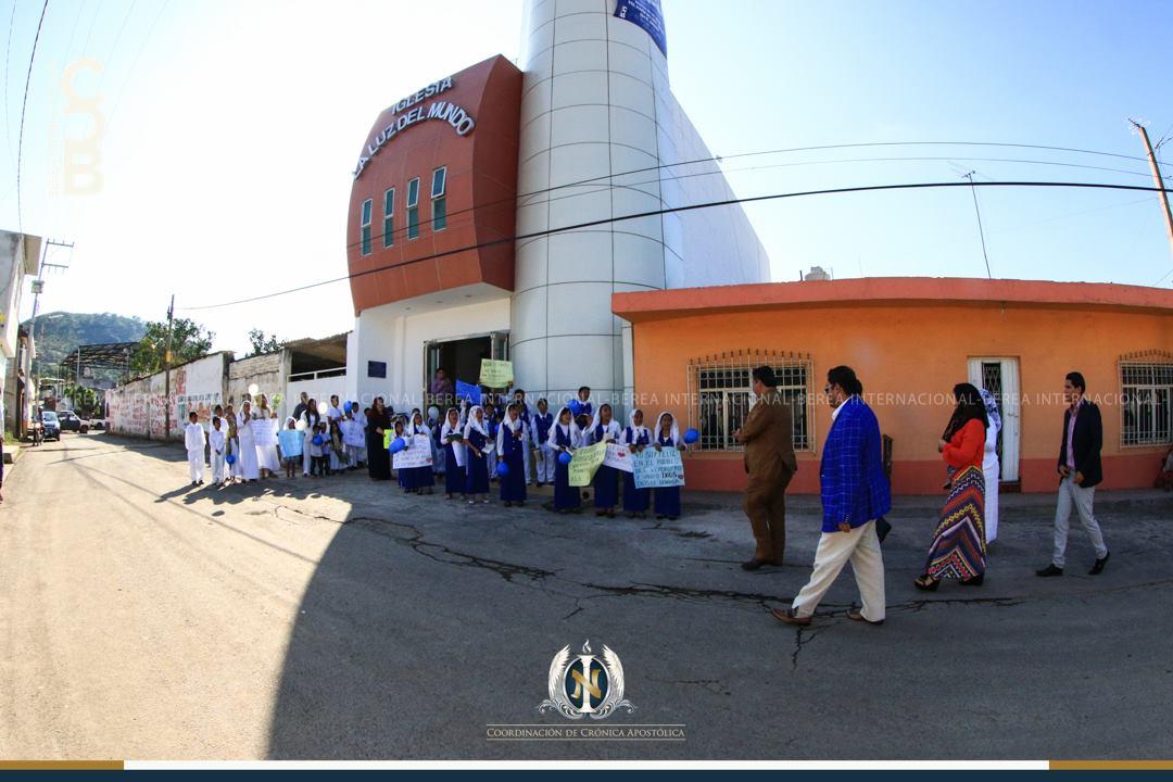 El-Apóstol-Naasón-Joaquín-García-visita-La-Labor-Nayarit-México.jpg