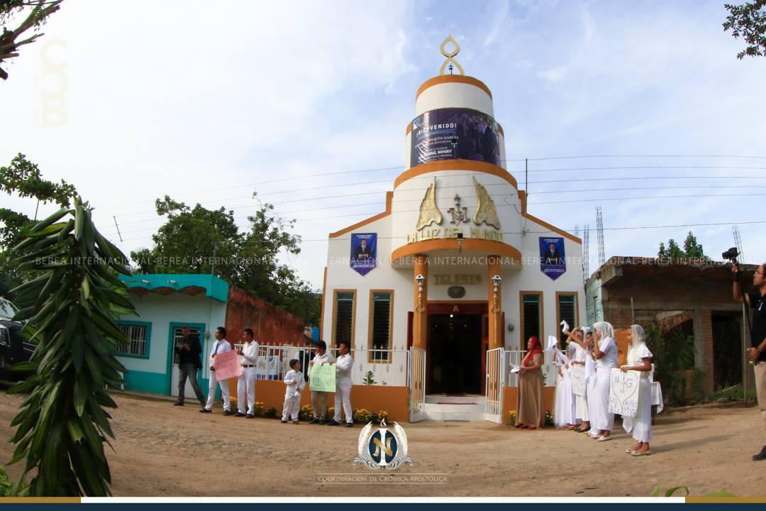 El-Apóstol-Naasón-Joaquín-García-visita-Las-Piedras-Compostela-Nayarit-México.jpg